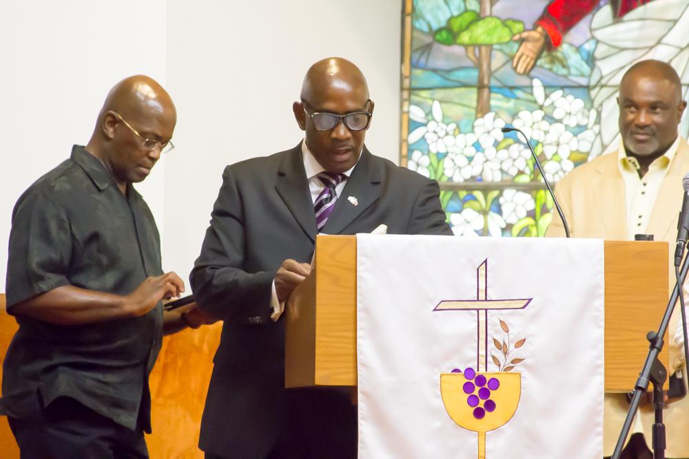 Pastor LEEMANN SMITH